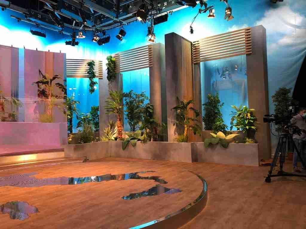 scenografia completa per programma tv l'italia che fa rai 2 cst group italia