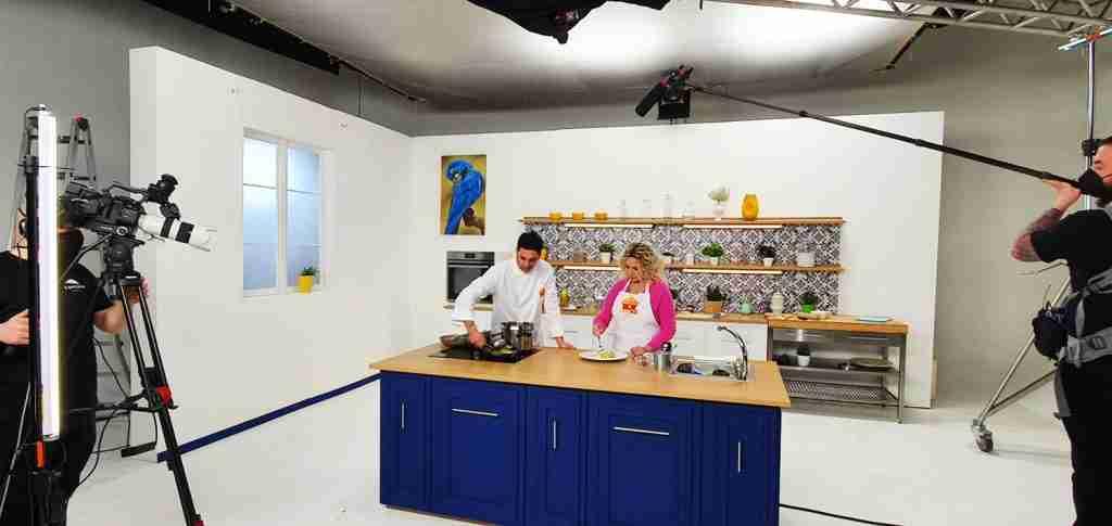 scenografia cucina casa md video streaming - CST Group Italia